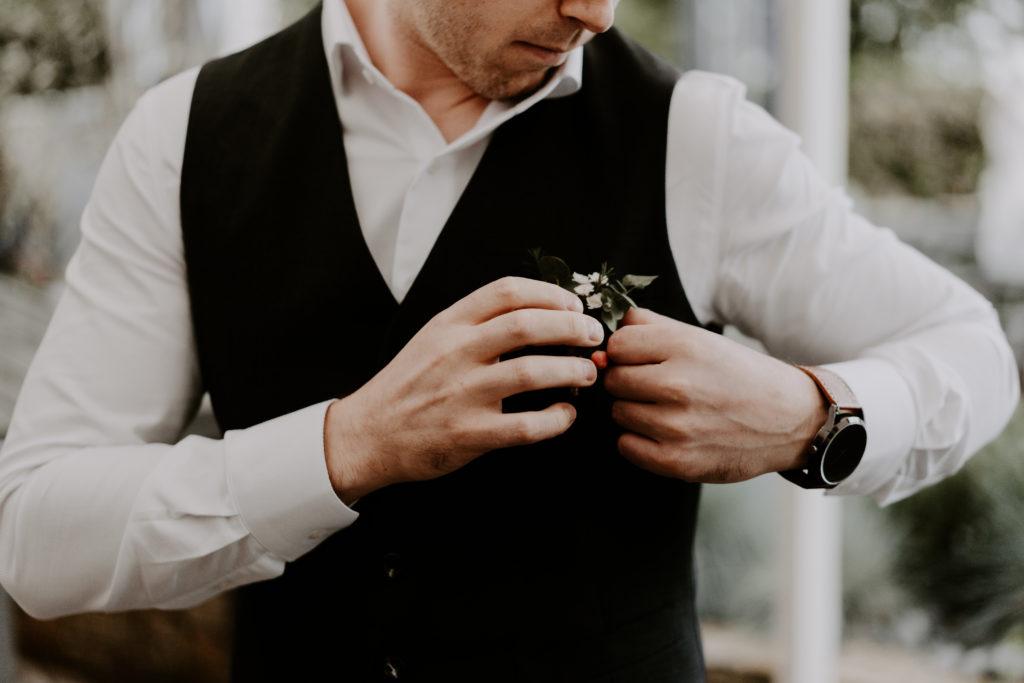 boutonnière-marié-fleurs-annecy
