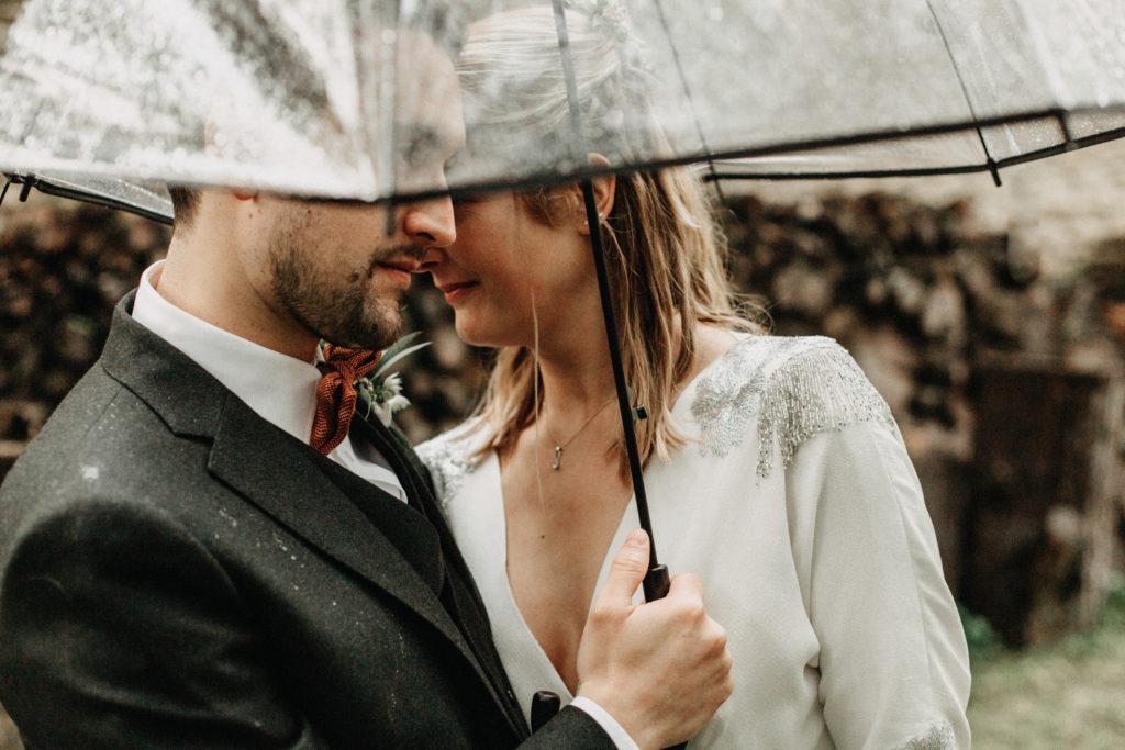 umbrella couple picture france
