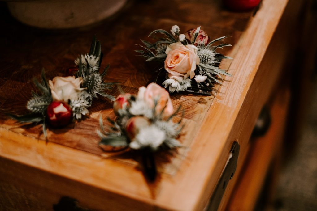 button holes flowers wedding france