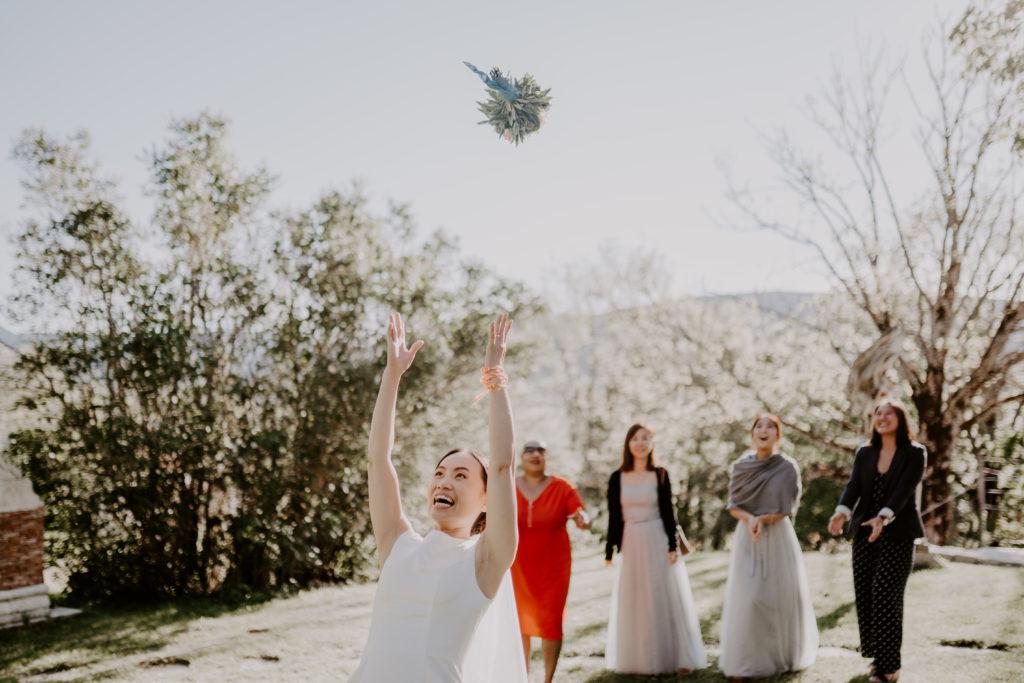 bride bouquet wedding france